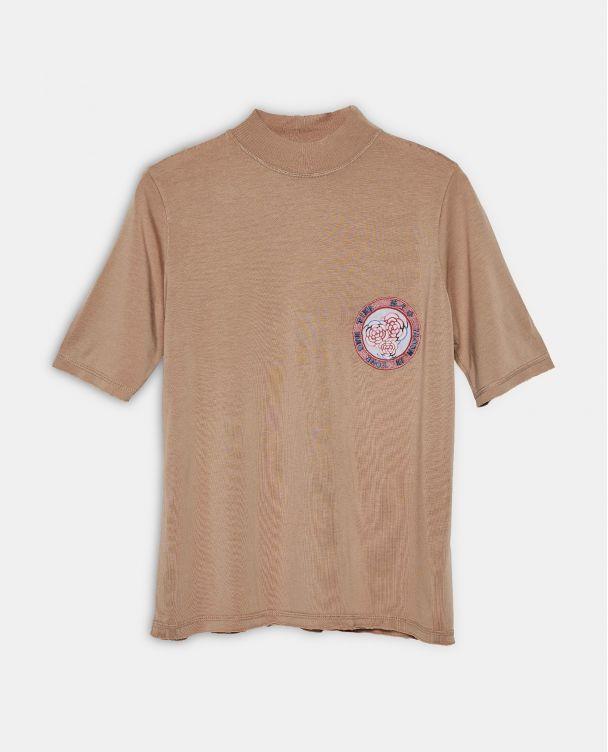 Camiseta de cuello vuelto